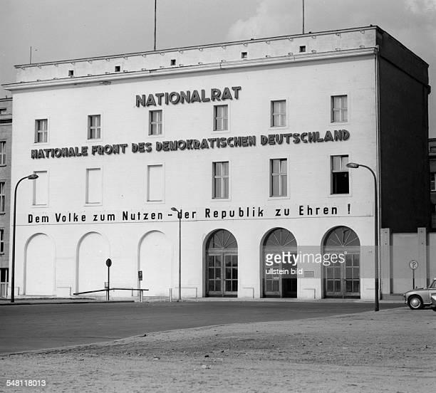 Sitz der Nationalen Front der DDR und des Nationalrats in einem Hintergebäude sowie der Mitte der 30er Jahre errichteten Seitengebäude des ehem....