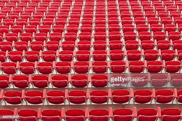 Sitze der neuen Haupttribüne des Stadions Alte Försterei vom 1. FC Union Berlin. Die am eingeweihte Hautptribüne bietet 3557 Zuschauern einen...