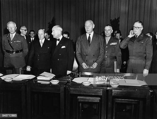 Sitzung der alliierten Hochkommissionunter dem Vorsitz von AndreFrancoisPoncet im französischenHauptquartier in BerlinFrohnauvlnr der britische...