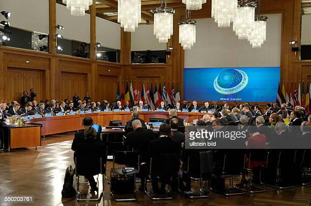 Sitzung des NATORusslandRates während des Treffens der NATOAußenminister in Berlin