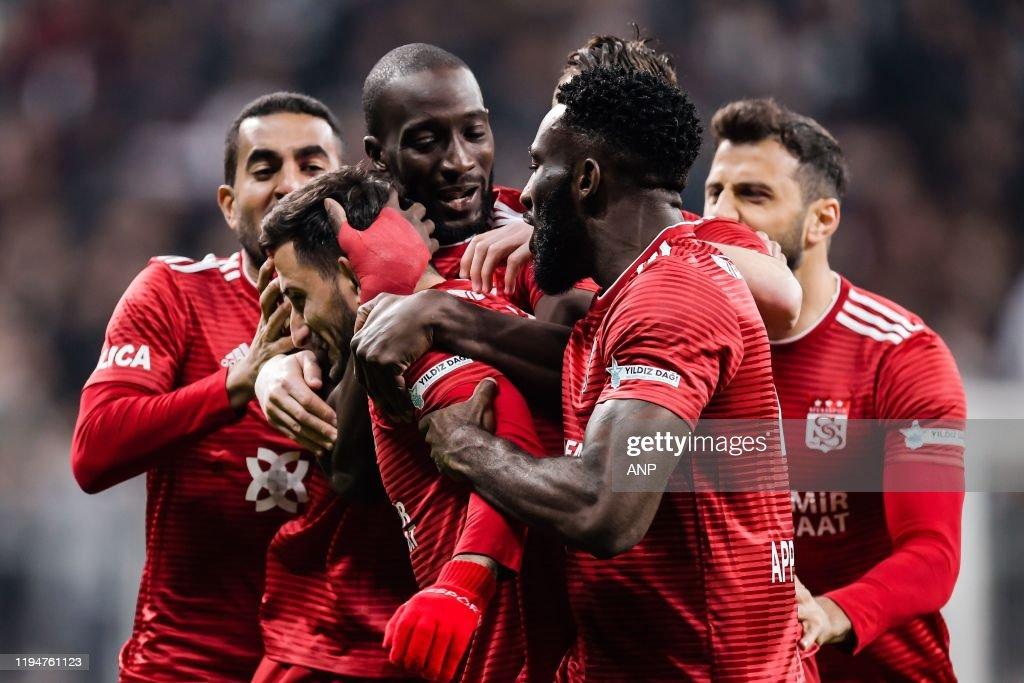 "Turkish Spor Toto Super Lig""Besiktas AS v Demir Grup Sivasspor"" : Foto di attualità"