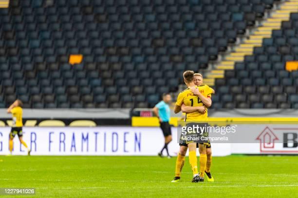 Sivert Heltne Hilsen of IF Elfsborg celebrates the 0-2 goal with teammate Leo Vaisanen during the Allsvenskan match between AIK and IF Elfsborg at...