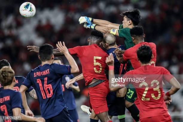 Siwarak Tedsungnoen of Thailand's in action during FIFA World Cup 2022 qualifying match between Indonesia and Thailand at the Gelora Bung Karno...