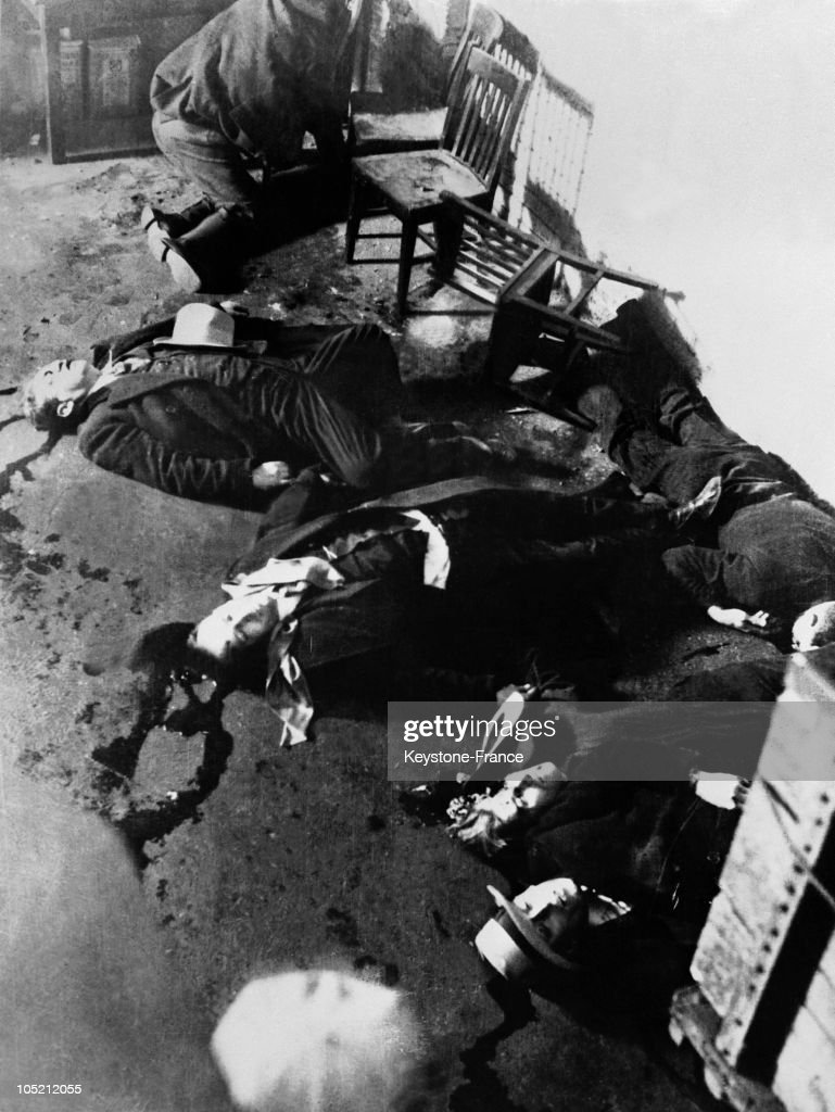 Six Corpses Lying On The Ground Of A Garage In Chicago Little After The Saint  Valentineu0027S. FRANK GUSENBERGSTVALENTINEu0027S DAY MASSACRE VICTIM CHICAGO1929