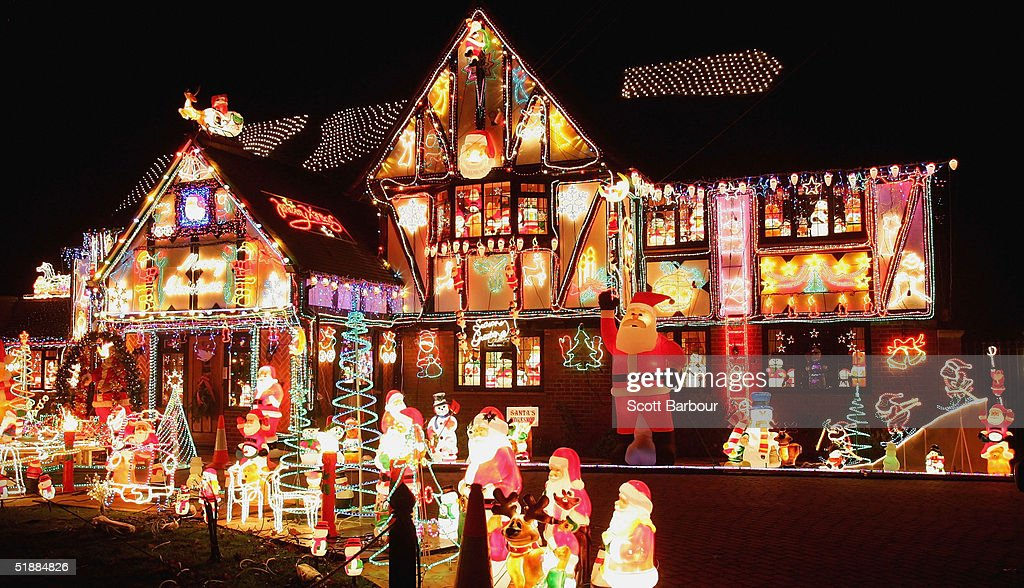 Christmas Decorating Becomes Competitive In The Thames Valley : News Photo