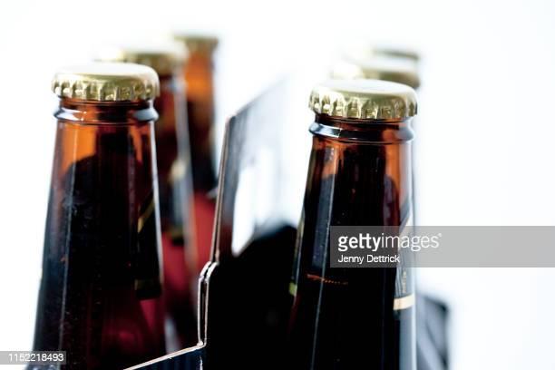 six pack of beer - 6缶パック ストックフォトと画像