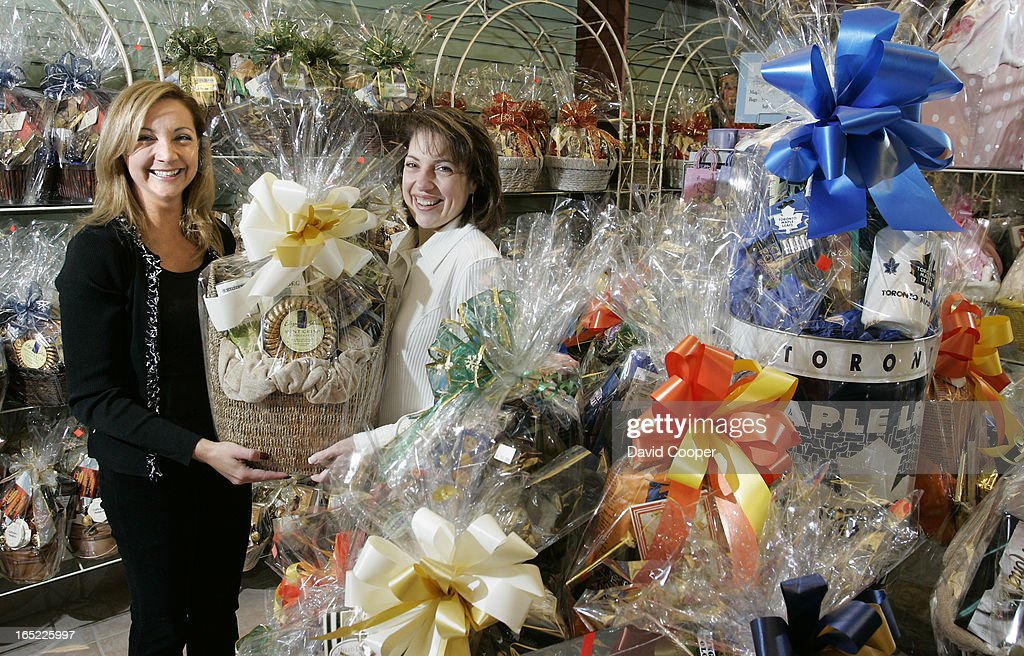 Six years ago anna delplavignano left and her sister linda six years ago anna delplavignano left and her sister linda rustico right negle Choice Image