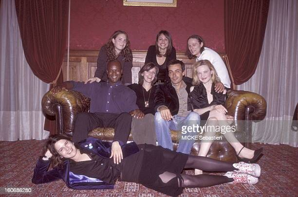 Six young actors from left to right Lolita Chammah Sonia Mankai Guillaume Verdier Cleribert SENATE Benoit SOLES Odile Vuillemin SOLANO elongated and...