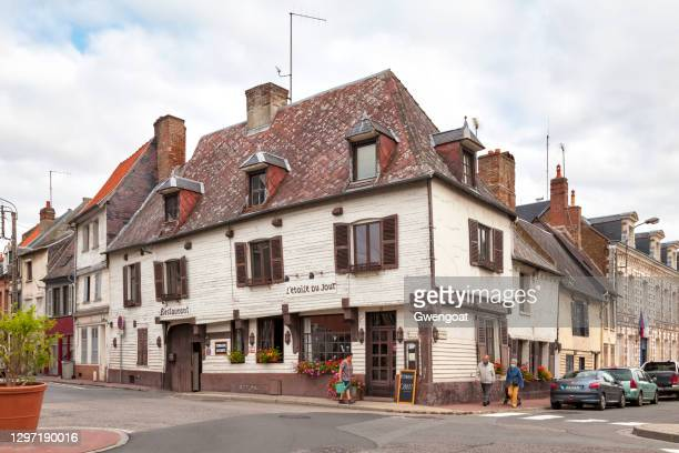 sixteenth century inn in abbeville - gwengoat stock pictures, royalty-free photos & images