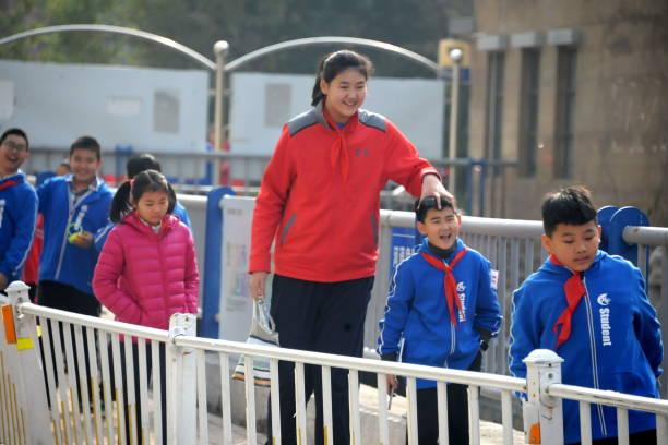 CHN: Chinese Girl Zhang Ziyu Stands 2.26 Meters Tall