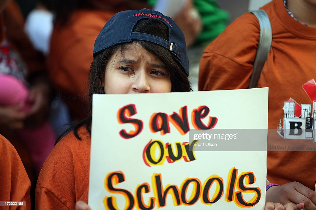 Community Groups Protest Proposed Chicago School Budget Cuts : News Photo