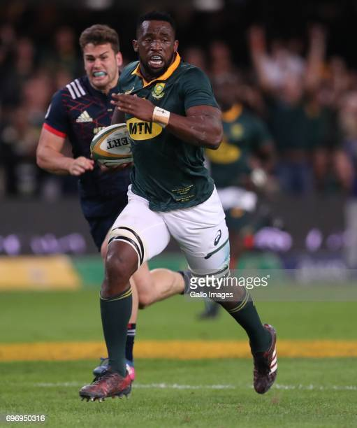 Siya Kolisi of South Africa going over for a try during the 2nd Castle Lager Incoming Series Test match between South Africa and France at...
