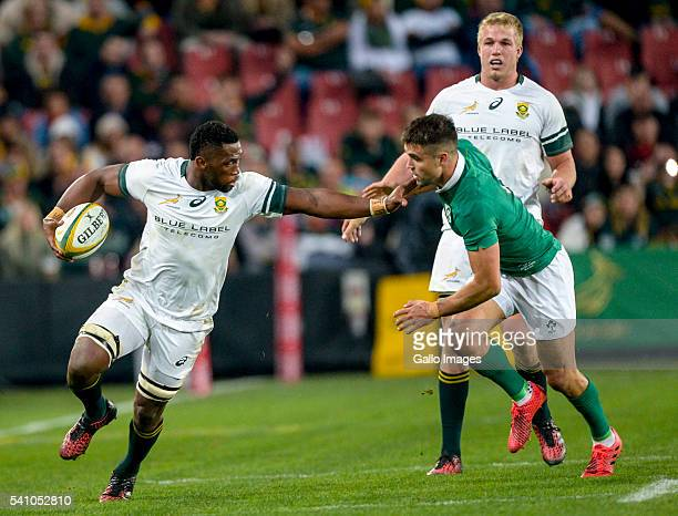 Siya Kolisi of the Springboks and Conor Murray of Ireland during the 2nd Castle Lager Incoming Series Test match between South Africa and Ireland at...
