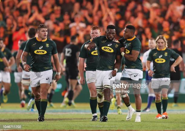 Siya Kolisi with Aphiwe Dyantyi of South Africa after a South African try during the Rugby Championship match between South Africa Springboks and New...