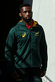 wellington new zealand siyamthanda kolisi looks