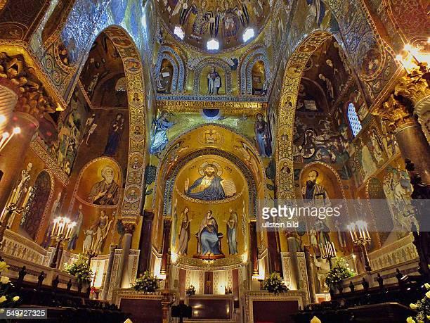 Sizilien Palermo praechtige Mosaiken in der Hofkirche der Cappella Palatina
