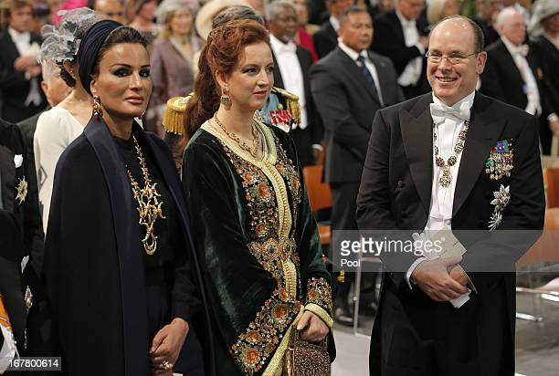 Sjeikha Moza bint Nasser al Misned of Qatar Princess Lalla Salma of Morocco and Prince Albert II of Monaco attend the inauguration of HM King Willem...