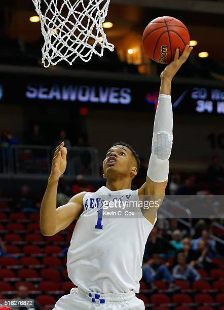 Skal Labissiere of the Kentucky Wildcats scores against the Stony Brook Seawolves in the second half during the first round of the 2016 NCAA Men's...