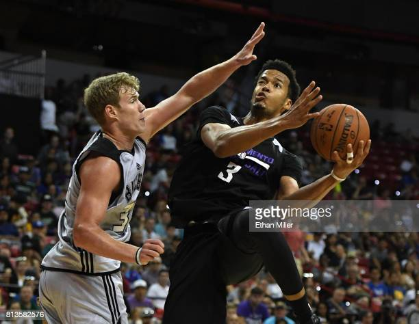 Skal Labissiere of the Sacramento Kings drives to the basket against Tim Kempton of the Milwaukee Bucks during the 2017 Summer League at the Thomas...