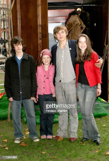 Skandar Keynes Georgie Henley William Moseley amd Anna Popplewell