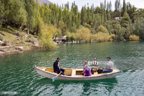 Skardu, Pakistan, 27 September 2018. A view from the shores of upper Kachura Lake. Skardu, Pakistan, 27 septembre 2018. Une vue depuis les berges du...