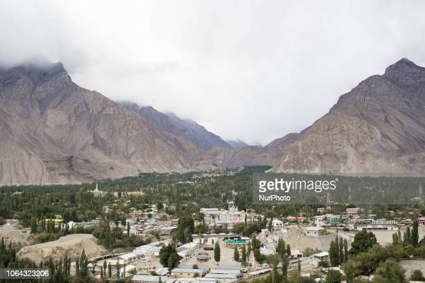 Skardu Pakistan 29 September 2018 A view of the skardu valley from the Kharpocho The fort and its mosque are located on the eastern face of the...
