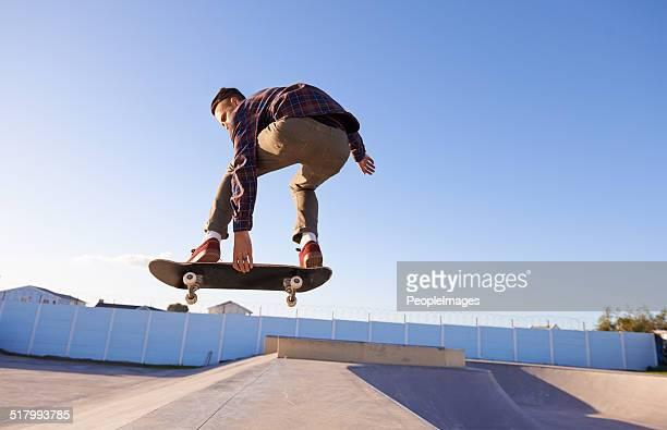 skate park stunts - stunt stockfoto's en -beelden