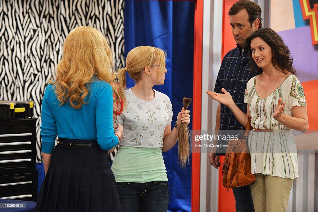 """Disney Channel's """"Liv & Maddie"""" - Season One : Nachrichtenfoto"""