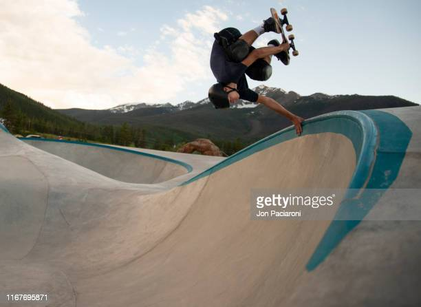 skateboard handplant on a concrete ocean - ollie pictures stock pictures, royalty-free photos & images