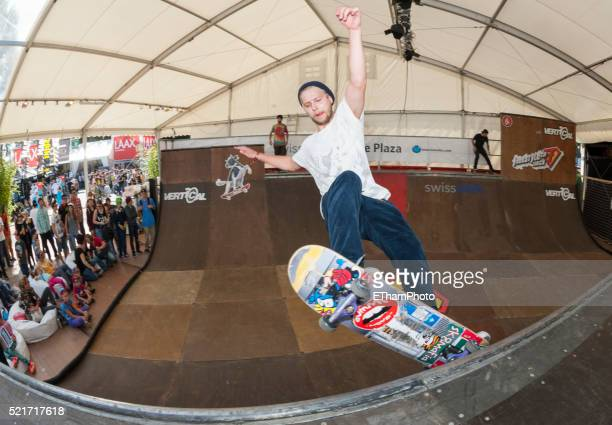 skateboarder at freestyle.ch - freestyle stock pictures, royalty-free photos & images