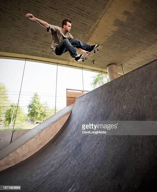 Skateboarder im Skate-Park