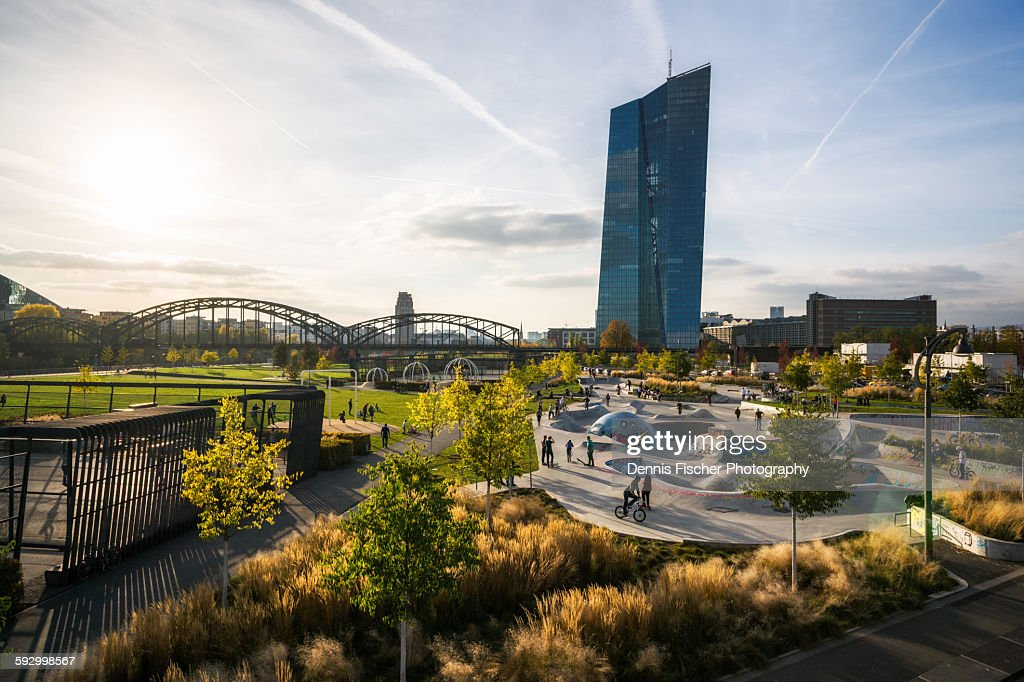 Skatepark and skyline Frankfurt : Stock Photo
