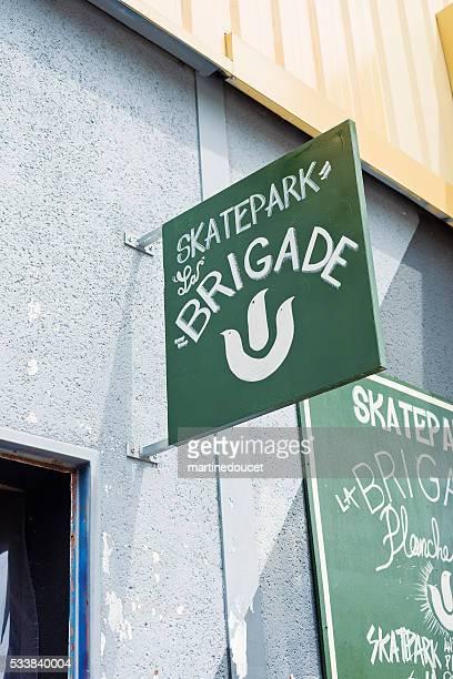 """parco da skate la brigata affissione, espace darwin bordeaux, in francia. - """"martine doucet"""" or martinedoucet foto e immagini stock"""
