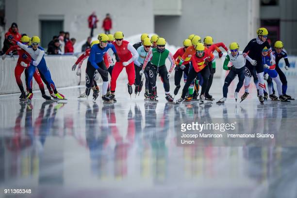 Skaters compete in the Men's Mass Start during day two of the ISU Junior World Cup Speed Skating at Olympiaworld Ice Rink on January 28, 2018 in...