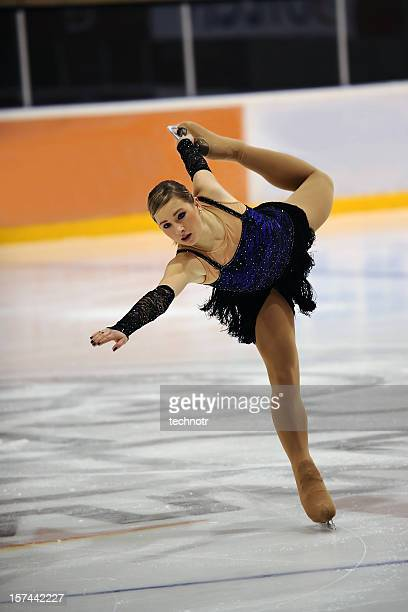 skating performance - figure skating stock pictures, royalty-free photos & images