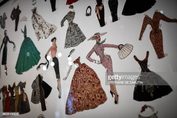 32 How To Draw Models For Fashion Design Photos And Premium High Res Pictures Getty Images