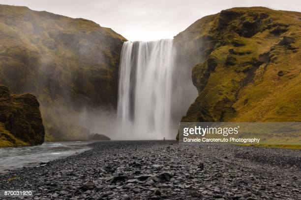 skógafoss - daniele carotenuto stock pictures, royalty-free photos & images