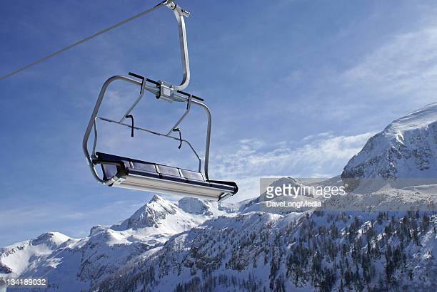 Ascenseur de Ski dans les Alpes