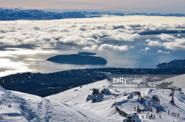 ski resort in bariloche - radicella stockfoto's en -beelden