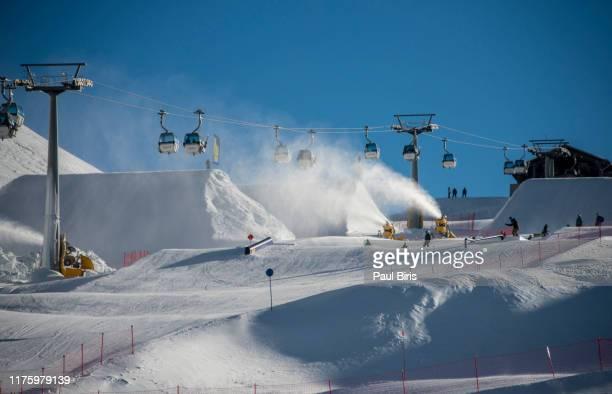 ski resort, madonna di campiglio, italy - マドンナディカンピリオ ストックフォトと画像