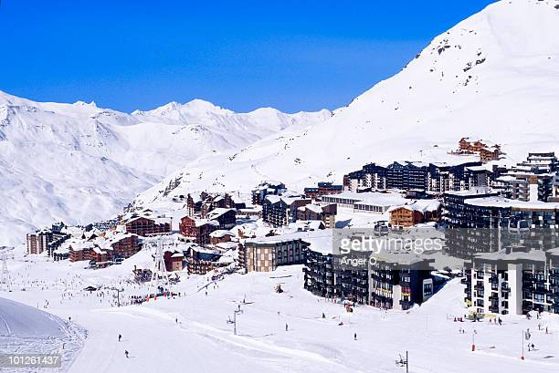ski resort of val thorens, france - val thorens stock pictures, royalty-free photos & images