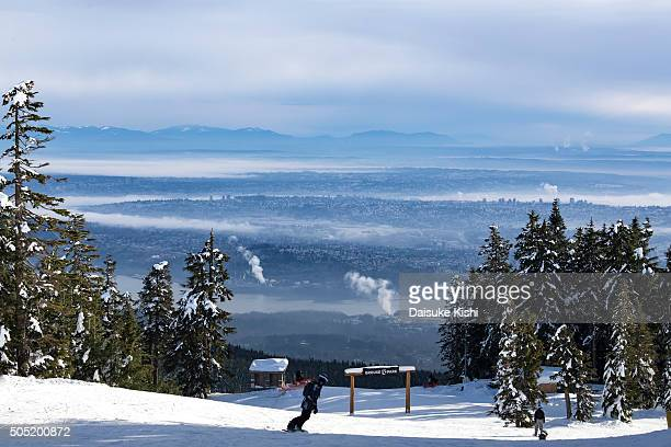 a ski slope at grouse mountain, vancouver, canada - grouse mountain ストックフォトと画像