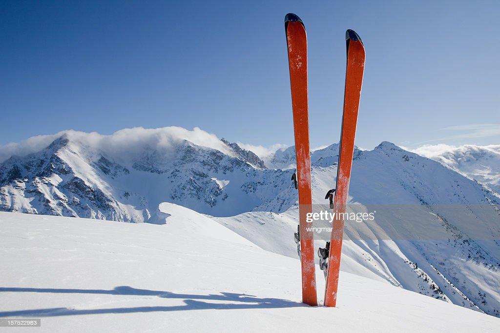 パノラマに広がるスキーツアー : ストックフォト