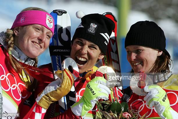 Skialpin Super G Damen Michaela Dorfmeister AUT gewinnt nach der Abfahrt auch den Super G Silber fr jana Kostelic und Bronze fr Alexandra Meissnitzer...