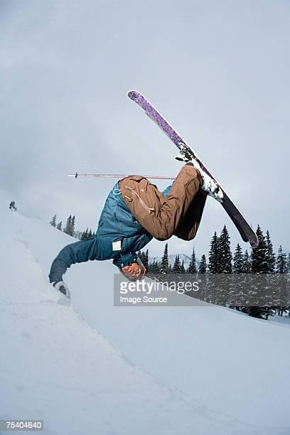 skieur chute - chute ski photos et images de collection
