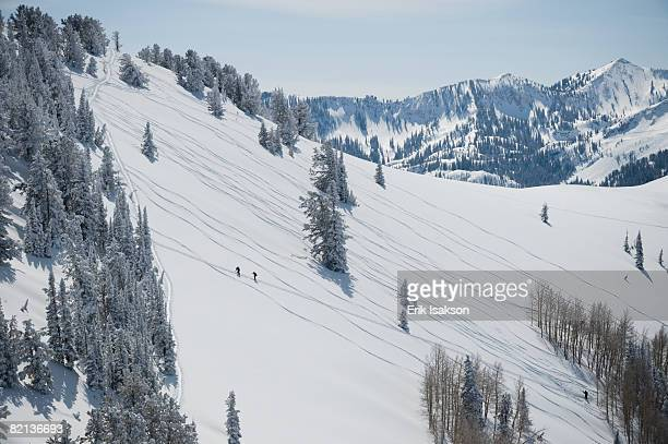 skiers on mountain, wasatch mountains, utah, united states - park city utah stock pictures, royalty-free photos & images