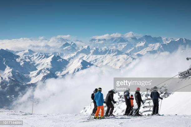 skiing in val thorens - val thorens stock pictures, royalty-free photos & images