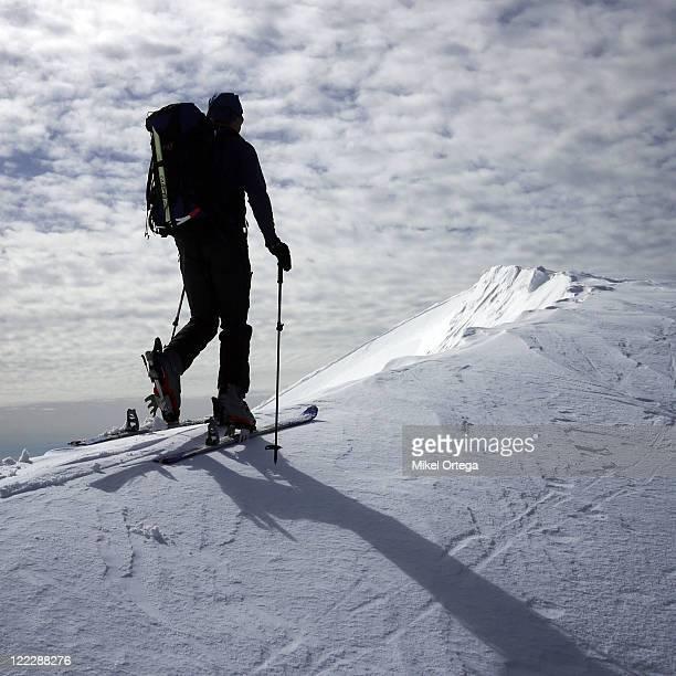 Skiing on edge