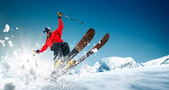Skiing 1043766084