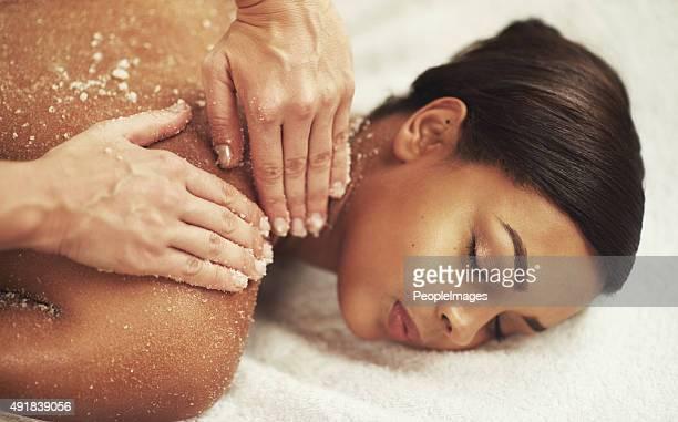 Une exfoliation de la peau et d'éliminer le stress